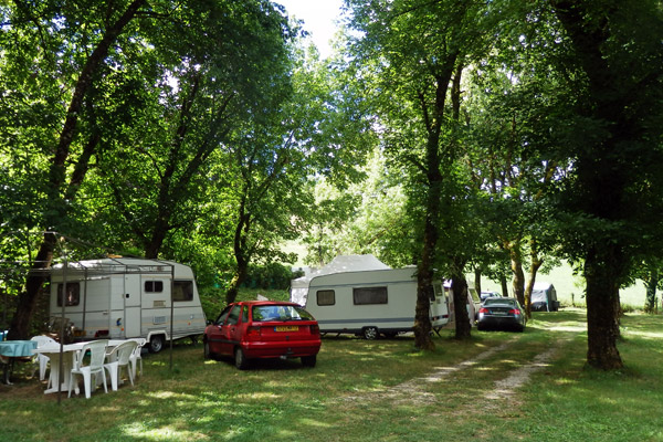 Caravane en location au camping - Estaing
